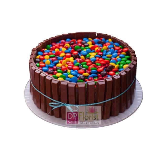 Birthday 2 Kg Cake Images : 2 Kg Choco Kitkat Cake - Dpsainiflorist
